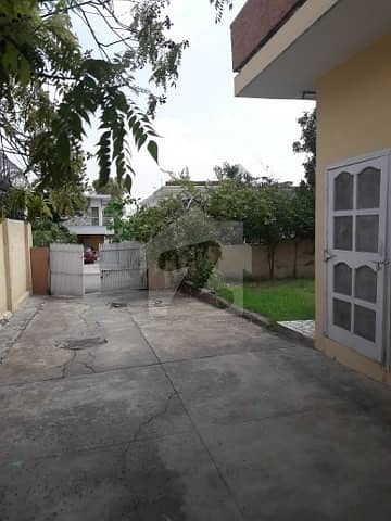 500 Yards Beautiful House For Rent In F-6 Islamabad