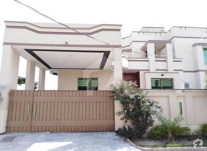 خیابان علی ہاؤسنگ سوسائٹی بہاولپور میں 7 کمروں کا 1.35 کنال مکان 3.5 کروڑ میں برائے فروخت۔