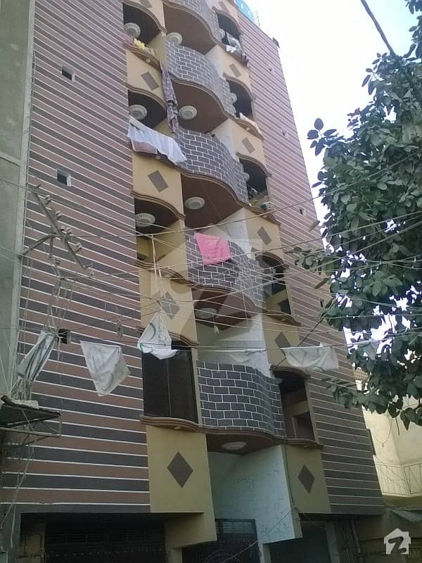 3 Rooms 2nd Floor Flat Available For Sale