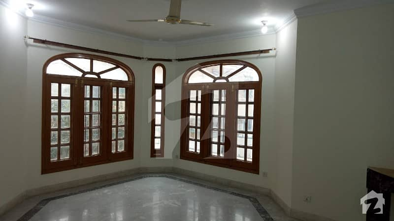 Good Location And Mint Condition Triple Story 600 Sq Yd House For Sale In I-8