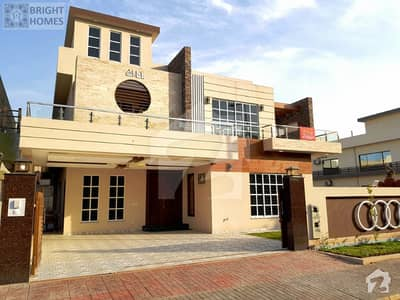 Luxurious 1 Kanal House For Sale In Phase 4
