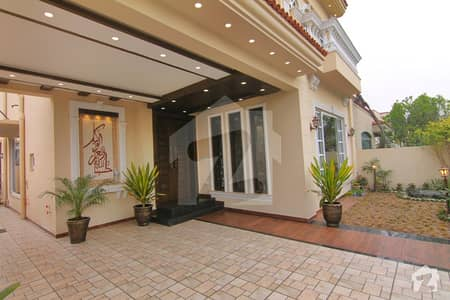 Spanish 10 Marla House For Rent In Dha Phase 8