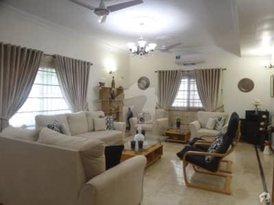 ڈی ایچ اے فیز 6 ڈی ایچ اے کراچی میں 5 کمروں کا 1 کنال مکان 9.5 کروڑ میں برائے فروخت۔