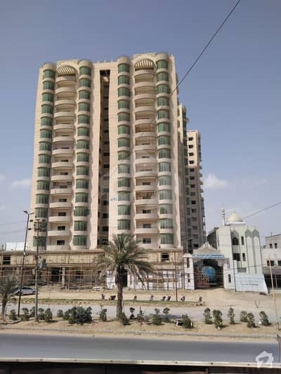 5 Rooms  3 Bed D/D Apartment For Sale