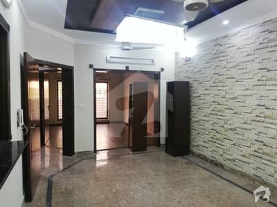 10 Marla Ground Floor Portion Available For Rent