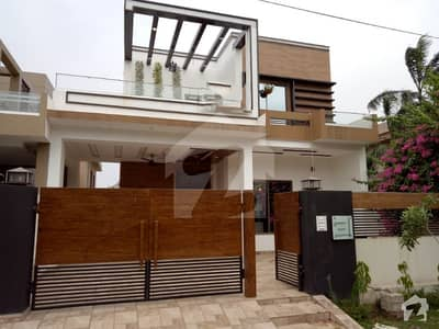 10 Marla Brand New Different Style Bungalow For Sale