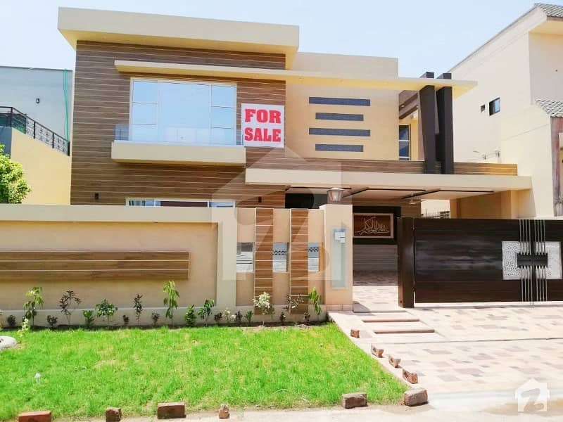 1 Kanal New Beautiful Design Bungalow In State Life Society Phase 1 Near Park