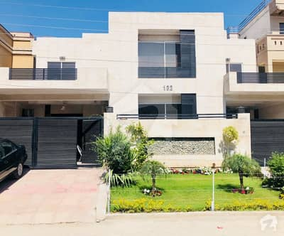1 Kanal House For Sale 8500 Sq Ft Covered Area