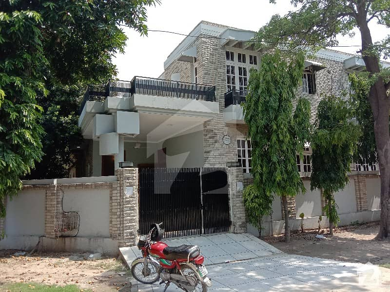 10 Marla House Is Available For Rent In DHA Phase 3