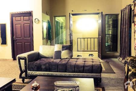 کنال برگ لاہور میں 4 کمروں کا 6 مرلہ مکان 1.3 کروڑ میں برائے فروخت۔