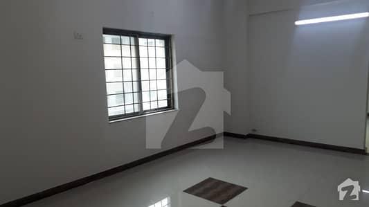 عسکری 10 - سیکٹر ایف عسکری 10 عسکری لاہور میں 3 کمروں کا 10 مرلہ فلیٹ 1.8 کروڑ میں برائے فروخت۔