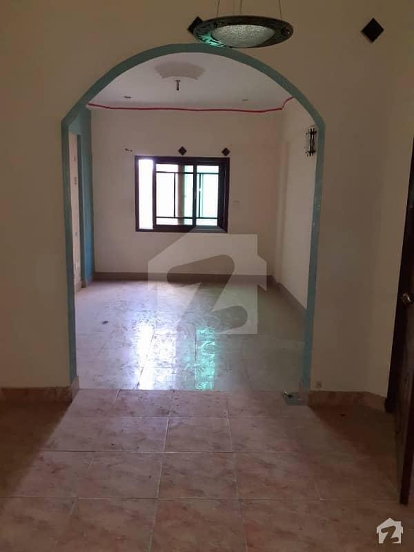نشاط کمرشل ایریا ڈی ایچ اے فیز 6 ڈی ایچ اے کراچی میں 2 کمروں کا 4 مرلہ فلیٹ 1.1 کروڑ میں برائے فروخت۔