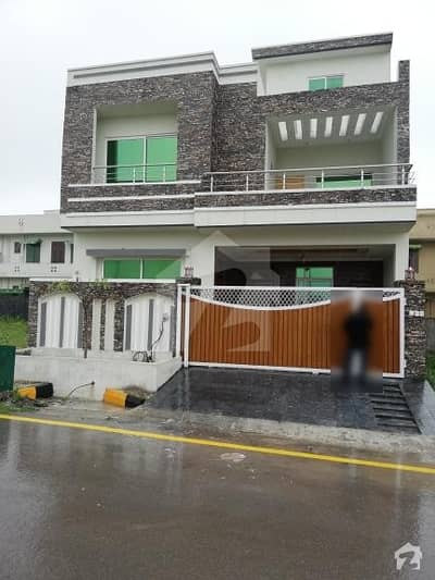 30x60 Double Story Complete House for Sale in Prime Location in F-17 Multi Islamabad.
