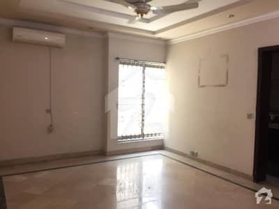 1 Kanal Lower Portion with Huge Parking available for rent