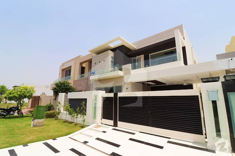 Out Standing Designed 10 Marla Bungalow Is For Sale