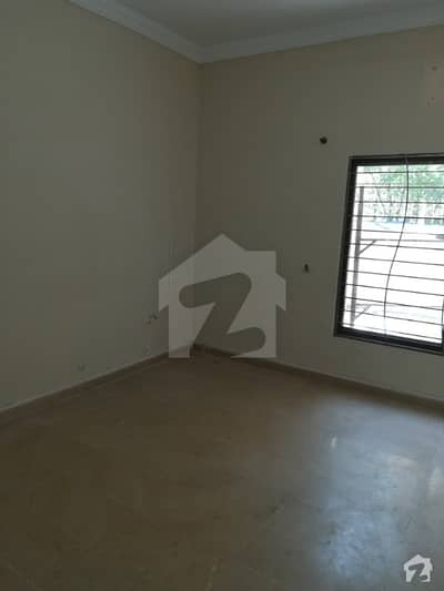 Full House Available For Rent - Near To Market In F-6 Islamabad