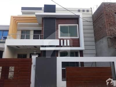 good location luxery house 8 marla near all live  fasilties