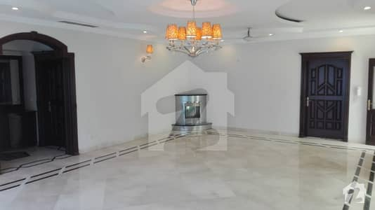 2 Kanal Luxurious Bungalow For Rent Located DHA Phase 3 Y Block