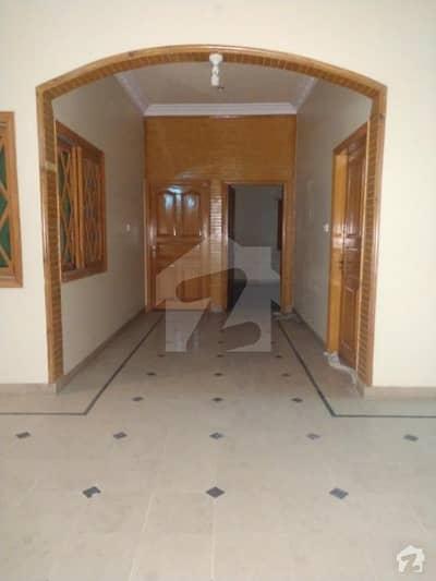 گلستانِِ جوہر ۔ بلاک 2 گلستانِ جوہر کراچی میں 10 کمروں کا 12 مرلہ مکان 3.4 کروڑ میں برائے فروخت۔