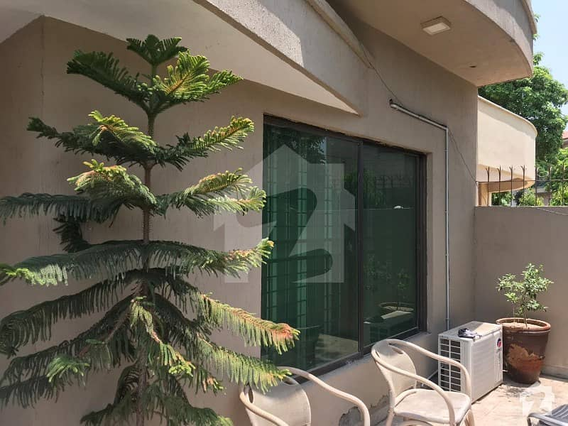 Corner Ten Marla House For Sale In Dha Lahore