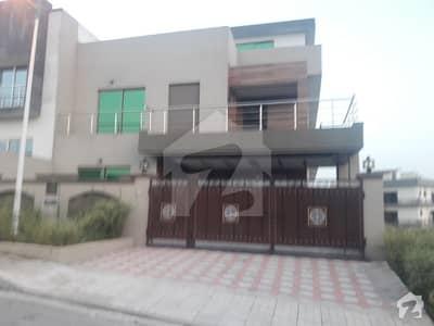 10 Marla prime location House double unit
