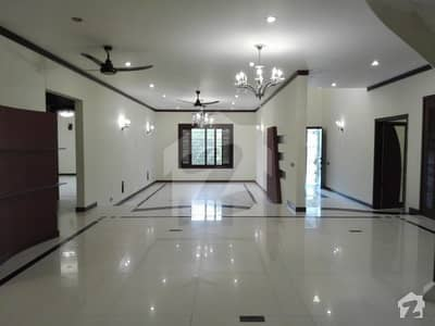 Near Naheed Super Market 500 Sq Yards Ground Plus 1 Constructed For Commercial Use School And Related Offices
