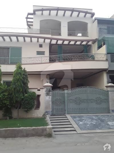 Portion Is Available For Rent in PAF Colony Zara Sheed Road Prime Location