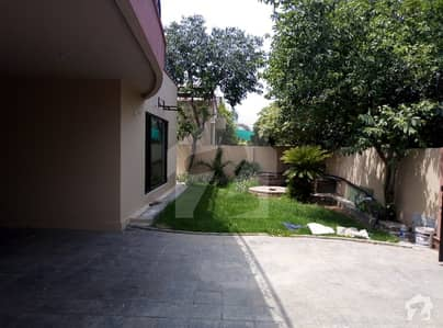 1 Kanal 5 Bed Rooms Double Unit Luxury House On Rent For Companies