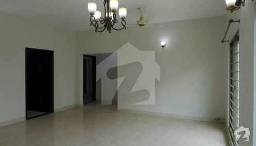 Ground Floor 10 Marla Brand New Flat For Sale In Askari 11 Lahore