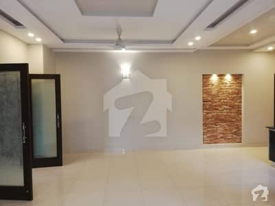 DHA PHASE 4 GG 1 KANAL HOUSE FOR RENT