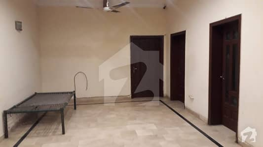 10 Marla House For Rent 2+2 Bed