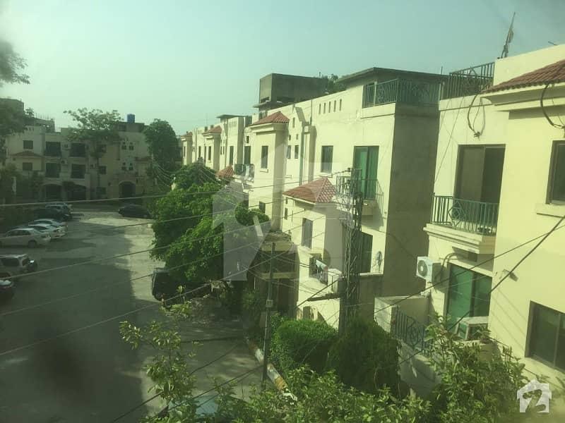 رحمان گارڈنز لاہور میں 3 کمروں کا 8 مرلہ فلیٹ 75 ہزار میں کرایہ پر دستیاب ہے۔