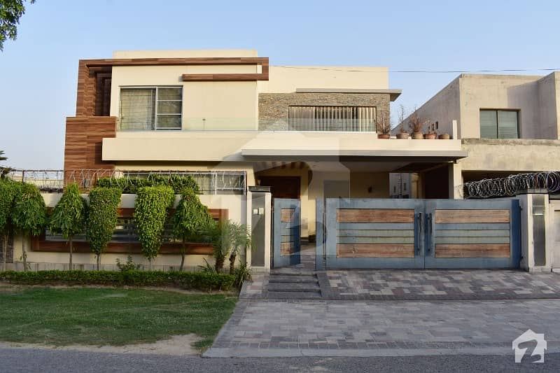 Luxurious New Designer Villa Located At Heart Of Dha For Royal Class Family