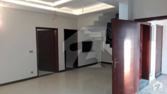 Lahore Brand New 5 Marla House In Pace Woodland Housing Gated Society Upper Portion Available For Rent
