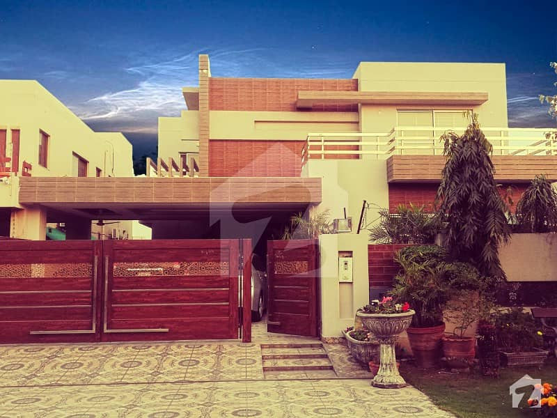 1 Kanal Luxurious Bungalow For Sale In Phase 5 Dha