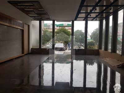 گلستان جوہر - بلاک 16-A گلستانِ جوہر کراچی میں 3 کمروں کا 7 مرلہ فلیٹ 52 ہزار میں کرایہ پر دستیاب ہے۔