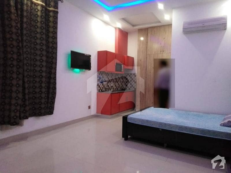 Room Is Available For Rent In Moon Market