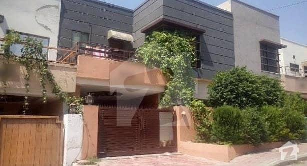 Double Unit Double Storey House Is Available For Sale