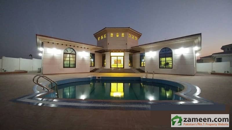 Urgent 2000 Sq Yd Luxury Farm House For Sale