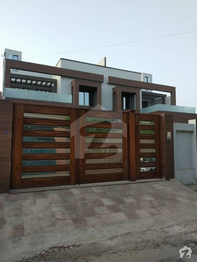 نشیمن کالونی ملتان میں 4 کمروں کا 10 مرلہ مکان 1. 5 کروڑ میں برائے فروخت۔