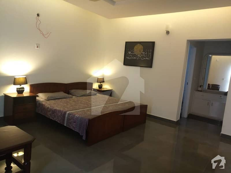 One furnished bed room for rent