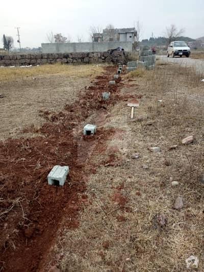 سملی ڈیم روڈ اسلام آباد میں 1 کنال رہائشی پلاٹ 30 لاکھ میں برائے فروخت۔