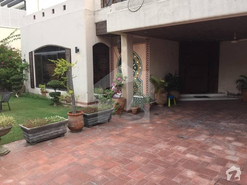 1 Kanal Elegant House In XX Phase 3 Dha Lahore