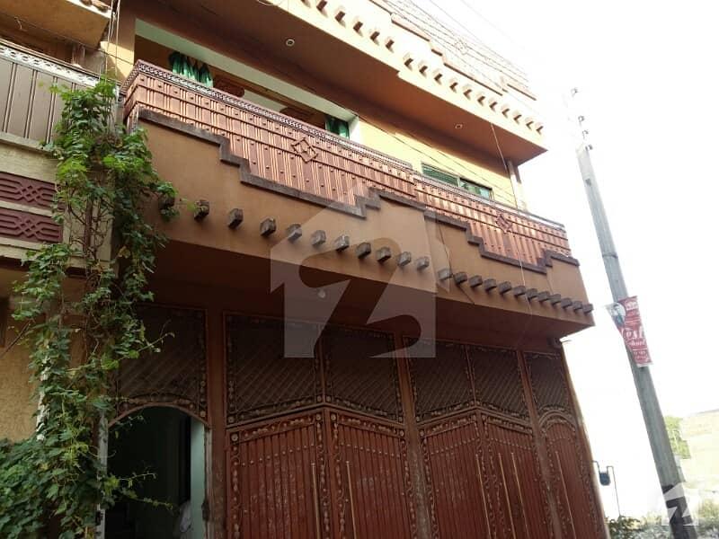 الحرم ماڈل ٹاؤن پشاور میں 7 کمروں کا 4 مرلہ مکان 1. 2 کروڑ میں برائے فروخت۔