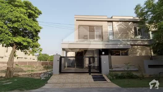 10 Marla Brand New Beautiful House For Sale