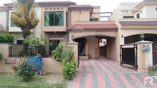لیک سٹی ۔ سیکٹر ایم ۔ 1 لیک سٹی رائیونڈ روڈ لاہور میں 5 کمروں کا 12 مرلہ مکان 2.1 کروڑ میں برائے فروخت۔