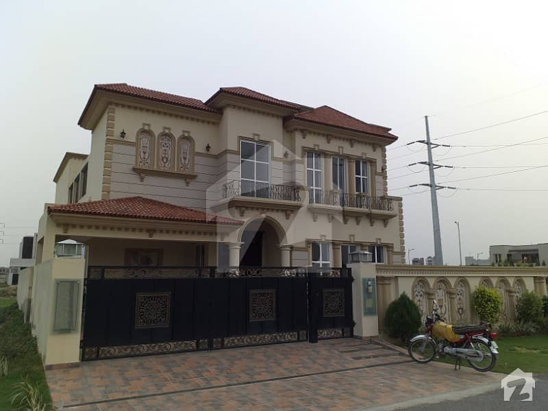 1 Kanal Brand New Spanish Villa Is Available For Sale On 150 Ft Road
