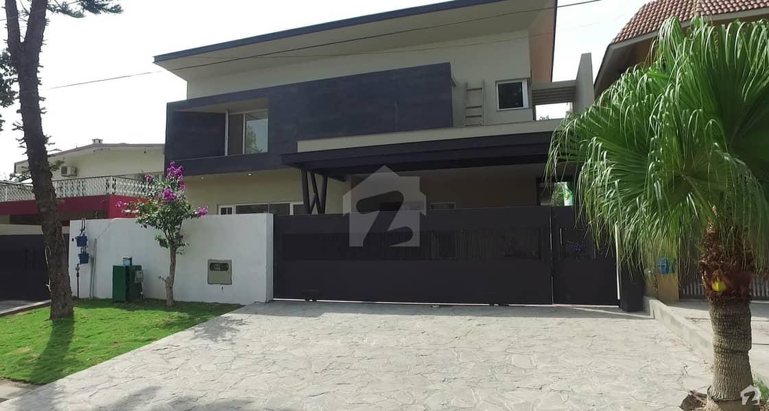 ایف ۔ 8/1 ایف ۔ 8 اسلام آباد میں 7 کمروں کا 1 کنال مکان 16 کروڑ میں برائے فروخت۔