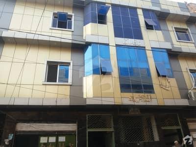 گلبرگ پشاور میں 2 کمروں کا 2 مرلہ فلیٹ 14 ہزار میں کرایہ پر دستیاب ہے۔