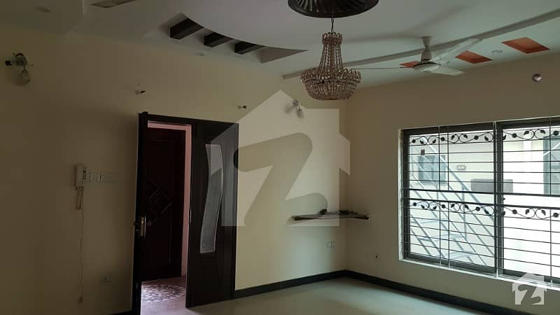 LAHORE GRANDE Excellent Location Brand New 10 Marla Luxury House for Sale